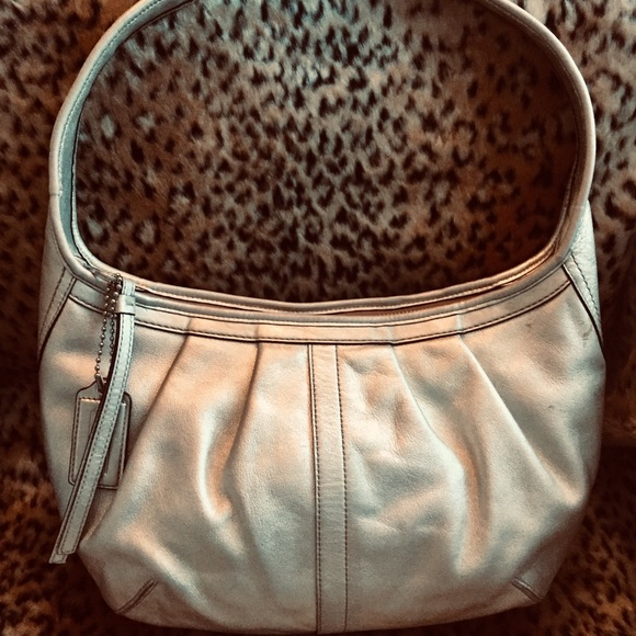 Coach Handbags - Polished Silver Leather Auth. COACH Shoulder Bag